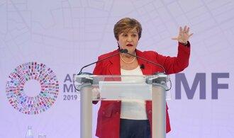 Finanční krize světovou ekonomiku zadusila, koronavirus ji zaškrtí, míní šéfka MMF