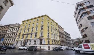 Vinohradská černá stavba v Rubešově ulici jde z ruky do ruky
