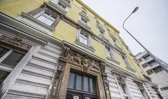 Za kauzou nájemního domu v Karlíně a černou stavbou na Vinohradech stojí developer Acord Invest
