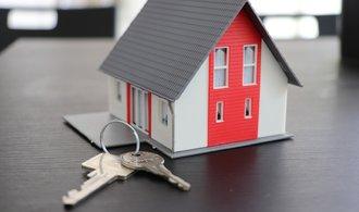 Zájem o úvěry od stavebních spořitelen roste, o smlouvy klesá