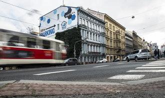 Úřad po letech povolil demolici domu v pražské Revoluční ulici. Nahradí jej projekt Evy Jiřičné