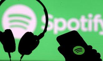 Spotify sází na podcasty, chce ovládnout další zavedené vydavatelství. A dohnat náskok Applu