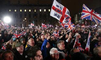 Radost, smutek a očekávání. Británie po 47 letech opustila Evropskou unii