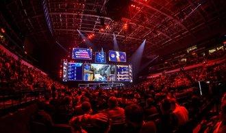 Fenomén e-sport: hráči už v něm vydělávají miliony dolarů. Na videohry sází i mistr pokeru