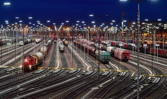 Německo v souvislostech: Zboží na koleje, přeje si vláda. Nikdo se tam ale nehrne
