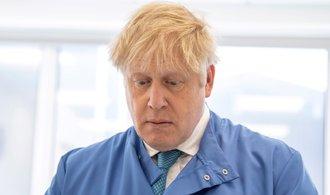 Johnsonovi se přitížilo, museli mu podávat kyslík. Je na jednotce intenzivní péče