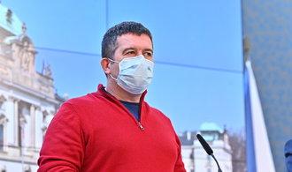 Hamáček: Rozhodně nebudeme mít hranice zadrátované jako za totality