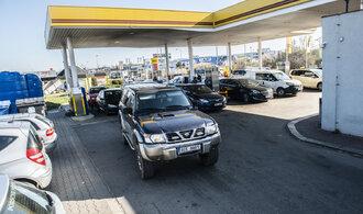 Pohonné hmoty zlevnily pod 26 korun. Benzin je nejlevnější za 11 let