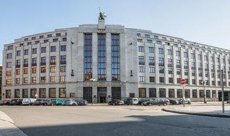 Sněmovna schválila širší možnosti finančních obchodů ČNB