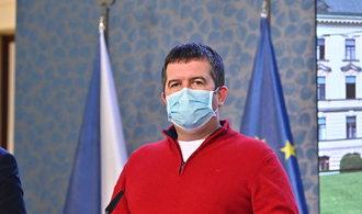 Hamáček chce v nejbližších dnech uvolňovat režim na hranicích
