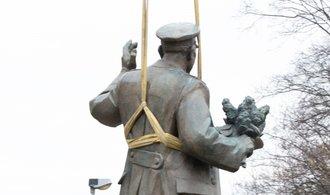 Praha 6 nechala v Bubenči odstranit sochu maršála Koněva