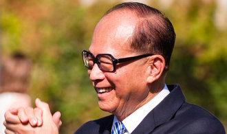 Zoom dal dobře vydělat nejbohatšímu muži Hongkongu nebo zakladateli Yahoo