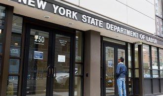 O dávky v nezaměstnanosti požádaly další miliony Američanů, akcie ale jely na vlně optimismu