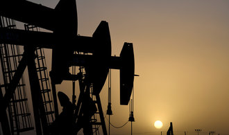 Akcie, měny & názory Michala Brožky: Ropa versus uran