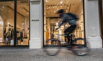 OBRAZEM: Pařížská v hibernaci. Ulici luxusních butiků chybí cizinci