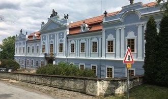OBRAZEM: Dětenice fungují a Pavel Ondráček otevírá veřejnosti i zámek na Peruci
