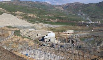 Češi začali v Turecku napouštět obří vodní elektrárnu Alpaslan 2 za půl miliardy dolarů