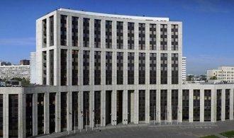 Česko mlží kolem odchodu z postsovětské banky. Odkládá a utajuje