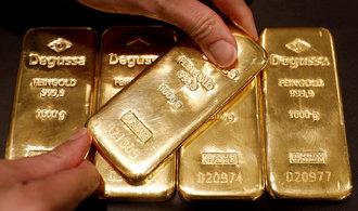 Lesk zlata ve druhé vlně pandemie bledne. Investoři počítají dvouciferné ztráty