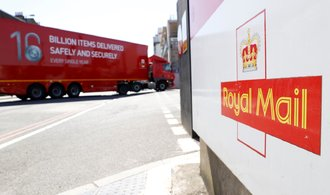 Miliardáři Křetínský sTkáčem posílili vRoyal Mail. Vlastní akcie za téměř šest miliard korun