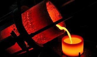 Zlato prolomilo hranici 1900 dolarů. Rekord padne brzy, očekávají analytici
