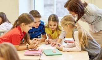 Děti půjdou do školy, rodiče sáhnou hlouběji do kapsy