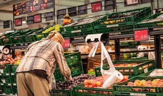Inflace dál zpomaluje. Strmě naopak rostou ceny neřestí a některých potravin