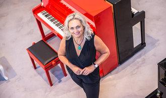 Z výroby nábytku musíme udělat další divizi, říká šéfka výrobce klavírů Petrofová