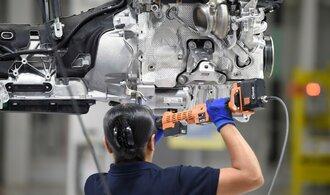 Průmyslové podniky znovu drtí nízká poptávka. Navíc nemohou plánovat