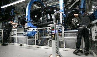 Automobilový průmysl varuje před dopady brexitu bez dohody, ztráty by šplhaly do bilionů