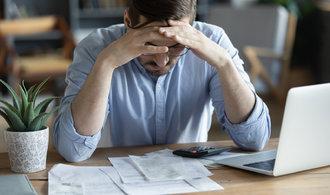 Banky začaly individuálně řešit s klienty problémy při splácen