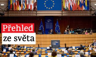 Obraťte se na soud, vzkázala šéfka Evropské komise Polsku a Maďarsku. Tesla posílí v Číně