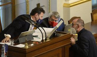 Poslanci odhlasovali prodloužení nouzového stavu do 12. prosince