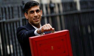 Šéfové britských firem se hromadně zbavují akcií. Bojí se zvýšení daní