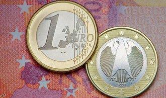 Investoři tuzemské top bance zaplatí za to, že jí mohli půjčit miliardy