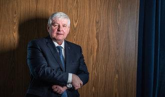 Nás netrápí, že si lidé kupují předražené byty, říká guvernér ČNB Jiří Rusnok