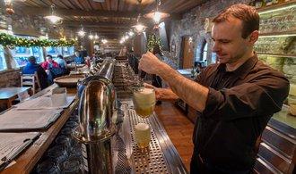 Několik restaurací otevřelo, na Olomoucku zasahovala policie