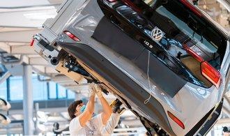 Česko chce vyrábět baterie do elektromobilů. Mocně na to láká Volkswagen