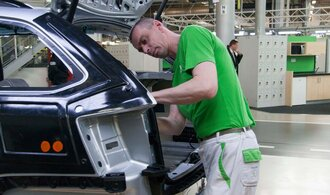 Škoda Auto hlásí propad hospodaření, ale bonus zaměstnancům vyplatí