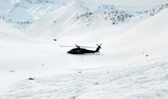 Vyšetřovatelé pádu vrtulníku s Kellnerem pracují s teorií, zda bezprostředně po nehodě nežilo víc lidí