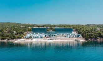 El Hilton de Třešňák en Croacia da la bienvenida a sus primeros huéspedes.  Está mayormente ocupado