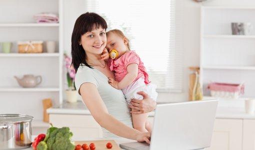 Rodičovský příspěvek 2019: Ve hře je navýšení na 260 000 korun