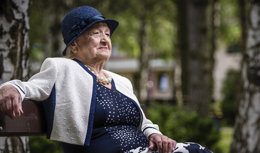 Od ledna porostou důchody, ty starobní v průměru o necelou pětistovku