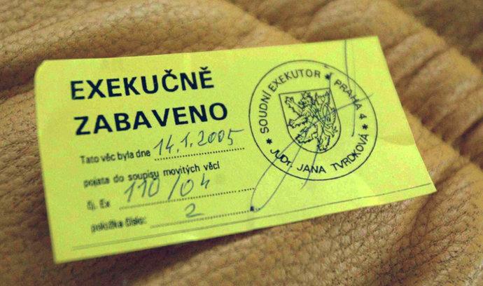 Exekutoři brojí proti snížení odměn. Jdou k Ústavnímu soudu