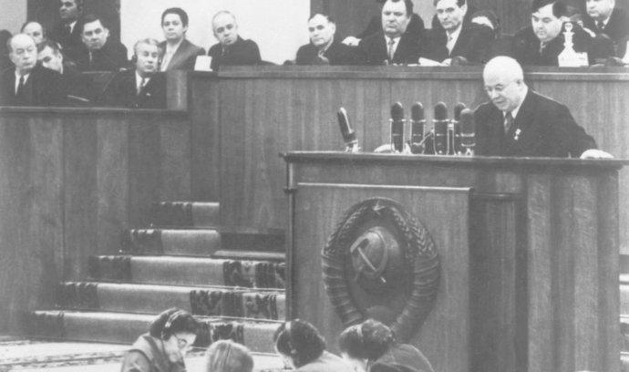 """Před 61 lety Chruščov pronesl """"tajný"""" projev, kritizoval Stalina"""