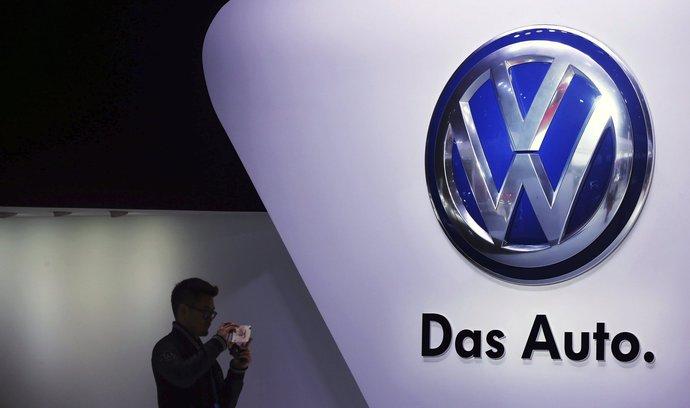 Kartelový skandál dopadl na akcie německých automobilek. Investoři odepisují miliardy