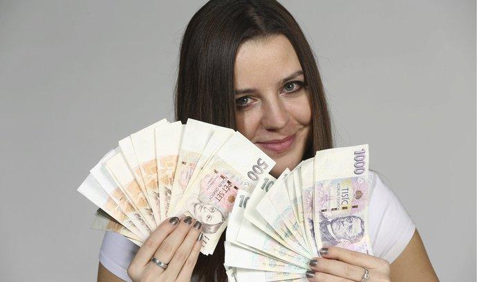 Odbory chtějí zvýšení minimální mzdy na nejméně 12 500 korun