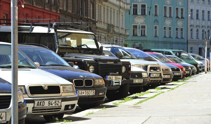 Jedna parkovací zóna pro celou Prahu? Stávající systém má zjednodušit digitalizace