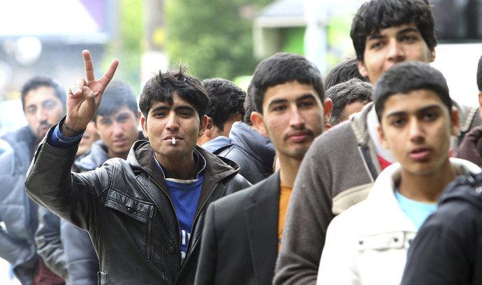 Už ne tolik migrantů, přijímejme migrantky. Poslanec CDU se bojí nerovnováhy v Německu