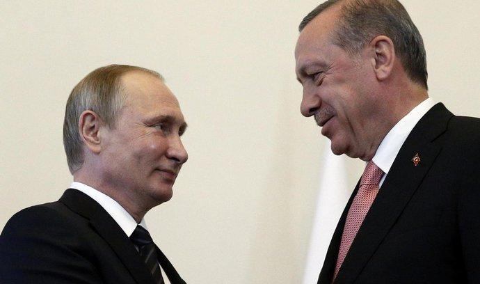 Ruské embargo připravilo Turecko o miliardy, nyní obě země spolupracují